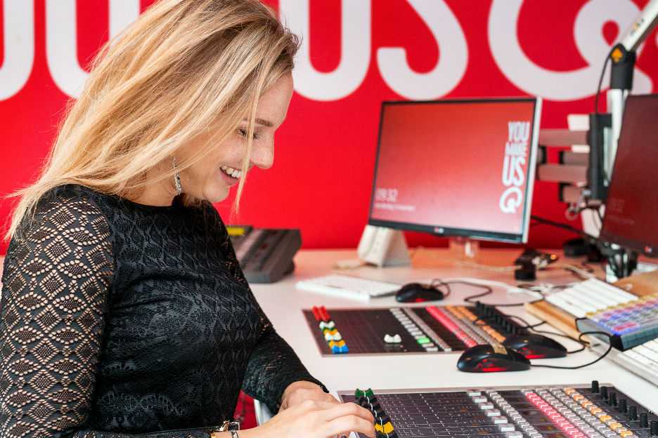 Babes in Business: Fien is nieuwslezeres bij Qmusic