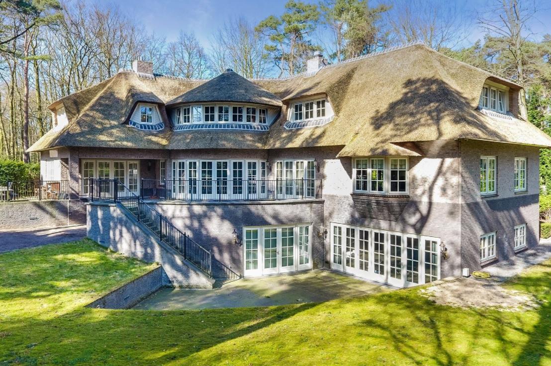 Fun da deze villa van ruim 5 miljoen staat te koop en je for Mijn huis op funda