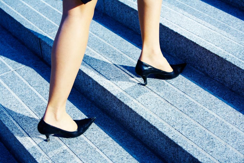 ec0703d94c2 Deze foute jaren 60-schoenen zijn de nieuwe trend - Fashion Friday