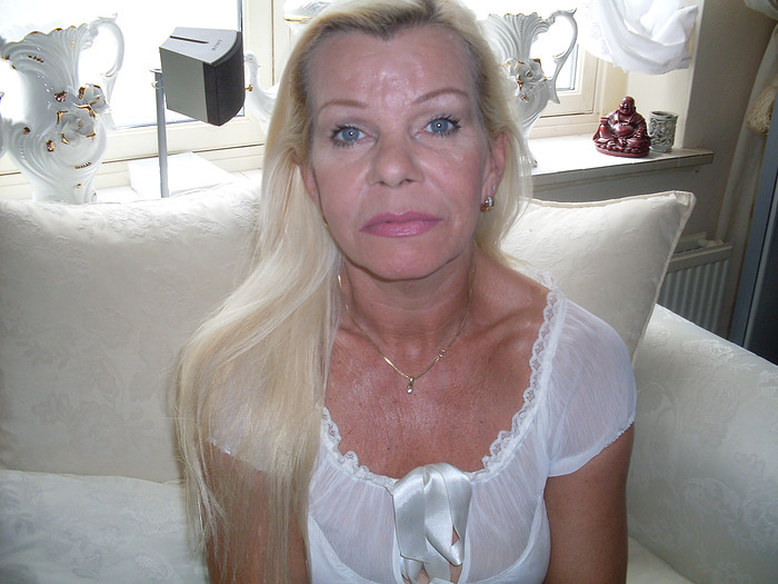 Sylvia: 'Ik ben verminkt door de plastisch chirurg' | 700 x 525 jpeg 105kB